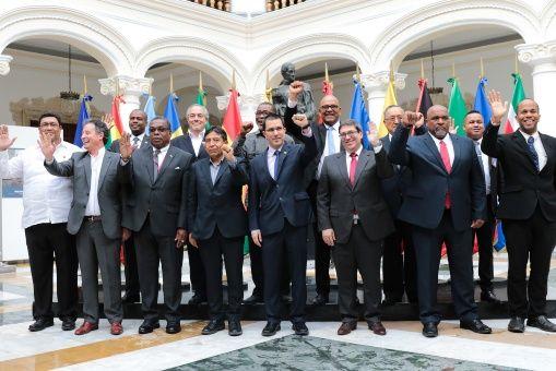 La organización respalda la voluntad de solucionar las diferencias políticas de forma pacífica, a través del diálogo y la negociación, sin acciones injerencistas de entes externos.