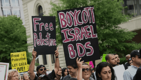 Thousands demonstrate in Washington against Israel