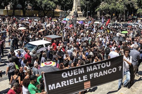 Your blood on the floor will not go unpunished! Thousands of people are now in square square in Rio de Janeiro to protest against violence and war that kills black and poor people every day and also their leadership. Justice for the death of Marielle Franco and Anderson Gomes. #Mariellepresente