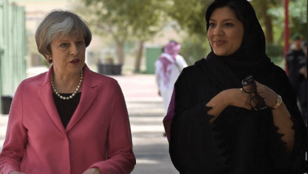 British Prime Minister Theresa May (L) with Saudi head of the women