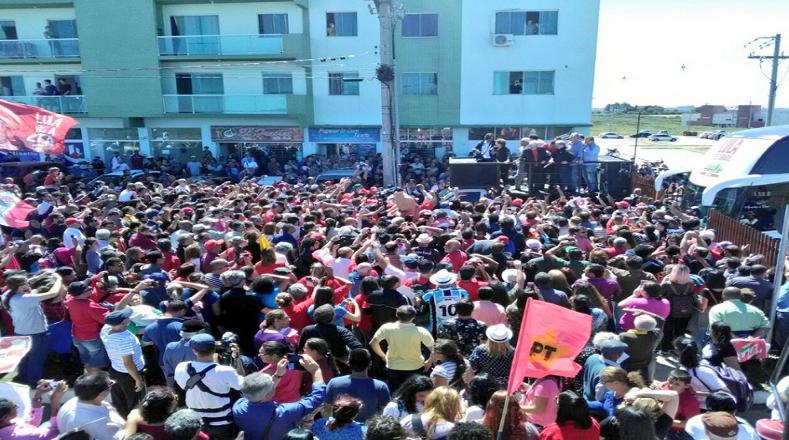 Desde la universidad de Unipampa simpatizantes del expresidente respaldaron a Lula.
