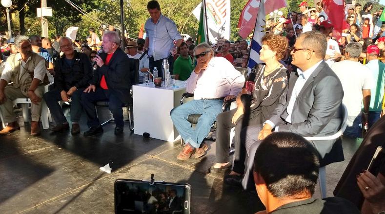 Rafael Correa y Pepe Mujica acompañaron a Lula da Silva en Santana do Livramento, zona fronteriza con Uruguay.