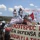 """""""No a la mina, si a la vida. No a la privatización del agua y al despojo del territorio"""", exigen los pobladores."""
