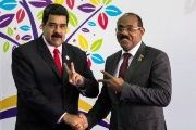 Venezuelan President Nicolas Maduro (L) and Antigua and Barbuda Prime Minister Gaston Browne (R).