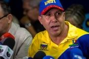 Henri Falcon's Venezuelan presidential campaign will be supported by the country's political opposition.