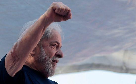 Lula está detenido en Curitiba, tras ser sentenciado sin pruebas a 12 años de prisión.