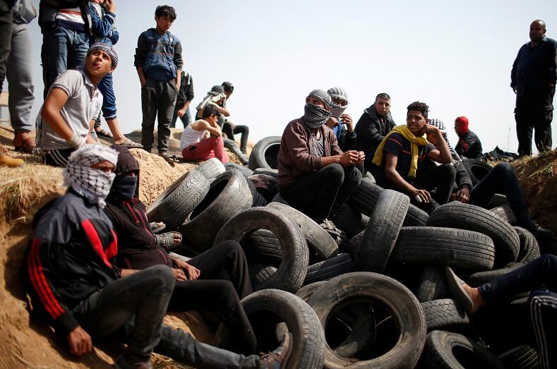 On the second day of protests demonstrators burned tires hoping to blur Israeli snipers