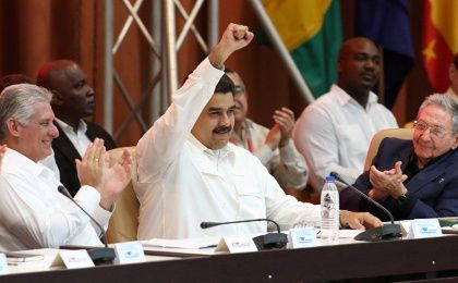Venezuelan President Nicolas Maduro (center) with new Cuban President Miguel Díaz-Canel (left) and former President Raúl Castro at a session of the 2017 ALBA-TCP meeting in Havana, Cuba.