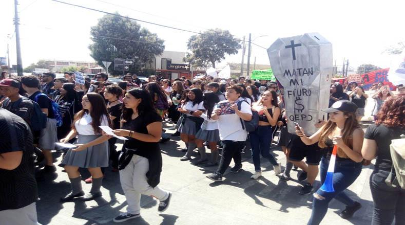 Es la primera marcha que enfrenta el Gobierno de Sebastián Piñera.