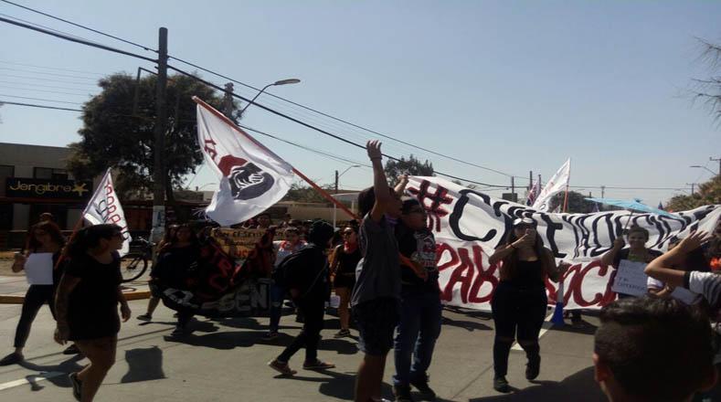 """Horas antes de la concentración, el presidente Piñera exhortó a los estudiantes a """"marchar por cosas que valgan la pena""""."""