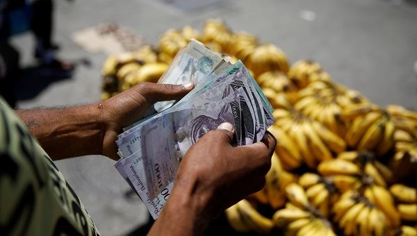 Cash contraband seeks to launder money and supply Venezuelan bolivars to financial markets along the Venezuelan-Colombian border.