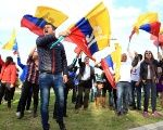 Colombian supporters of the peace agreement with FARC. The peace process is facing many challenges, including the murder of social leaders.