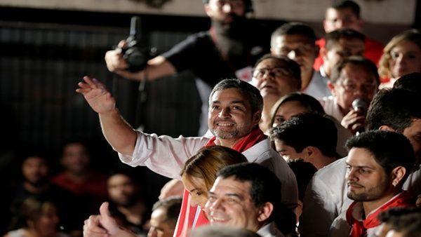Mario Abdo Benítez se impuso sobre su rival Efraín Alegre con una corta diferencia de votos.