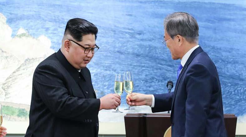 Entre los acuerdos más importantes, ambas Coreas acordaron buscar la desnuclearización total de la Península, reducir los arsenales de guerra y bajar la tensión militar, para poder fomentar la paz.