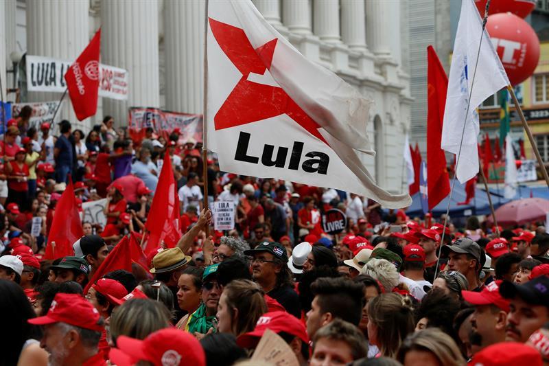 Asegura Rousseff que libre o preso, Lula será electo presidente de Brasil