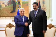 Palestinian President Mahmoud Abbas (l) and Venezuelan President Nicolas Maduro meet today to sign accords, among them an agreement to start a bi-national initiated with Petros