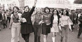 El 10 mayo de 1968 ocurrió la noche de las barricadas en la calle Guy Lussac,en el Barrio Latino.