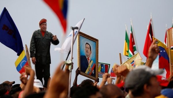 Without communal development, where is the socialism of the 21st century? Marco Teruggi continues his examination of Chavez