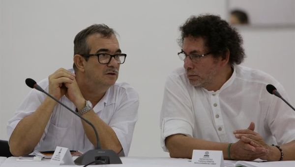"Rodrigo Londoño ""Timochenko"" (l) and Pastor Alape (r) during a meeting regarding the peace process in Cartagena, Colombia. May 5, 2018."