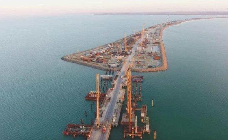 """""""El puente de Crimea"""" es elmás largo de toda Europa yunirá a la península de Crimea(territorio ruso desde 2014) con el resto de la nación euroasiática a través del estrecho de de Kerch."""