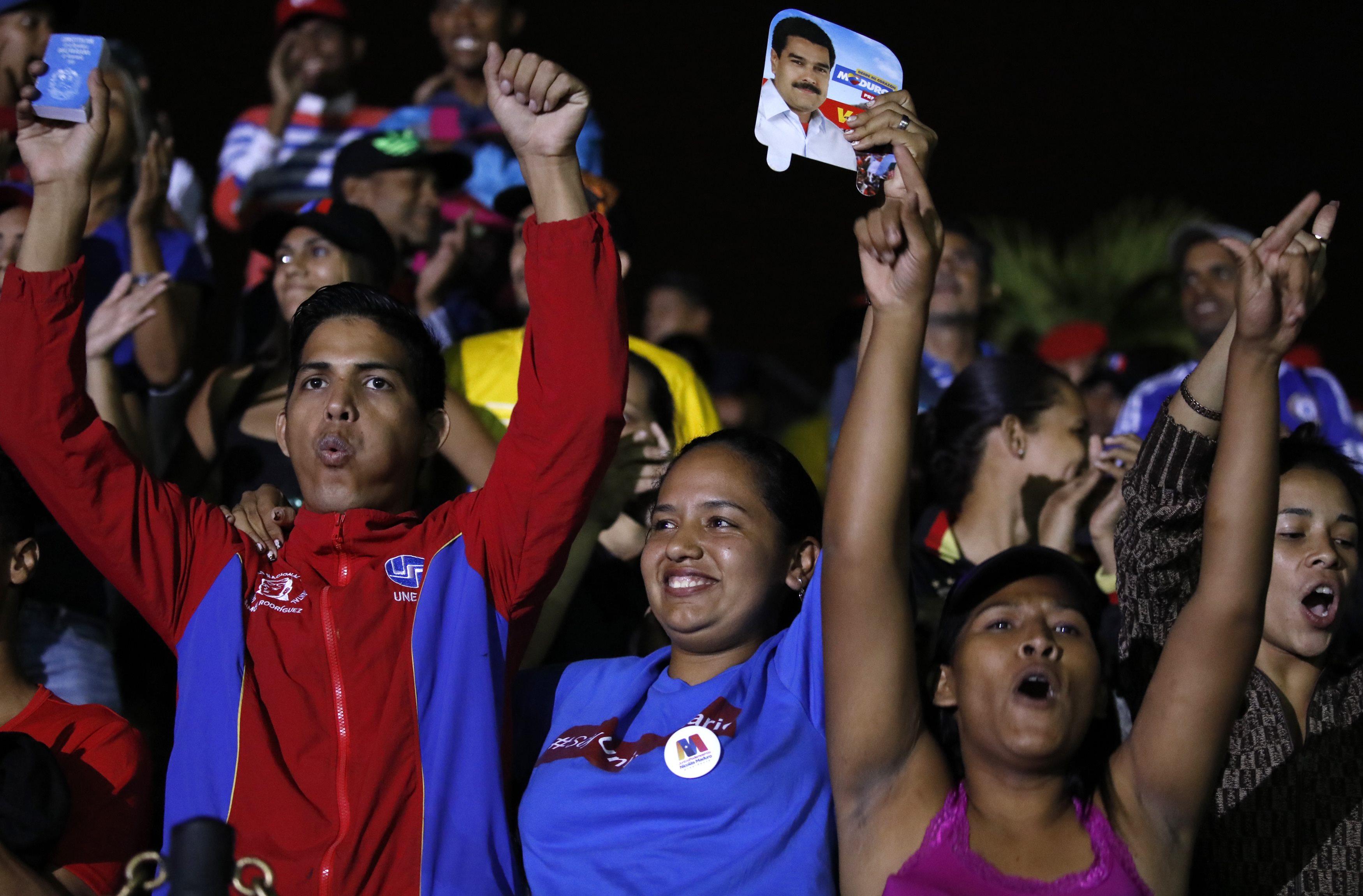 venezuelan people 2020 - HD3500×2302