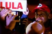 Glover, a UN Goodwill Ambassador, met with Lula in March to express solidarity and support for his presidential candidacy.