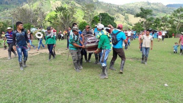 El asesinato y persecución a líderes sociales en Colombia sigue adelante a pesar del acuerdo de paz