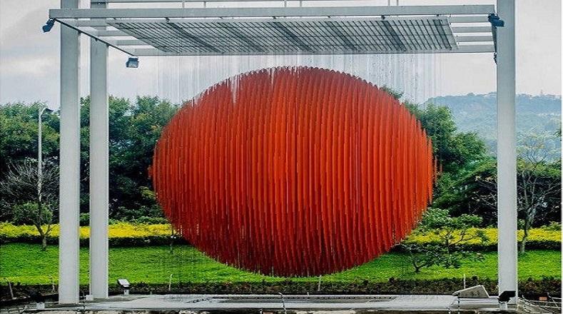 Una de sus creaciones más reconocidas se encuentra en la autopista de Caracas Francisco Fajardo creada en el año 1996.