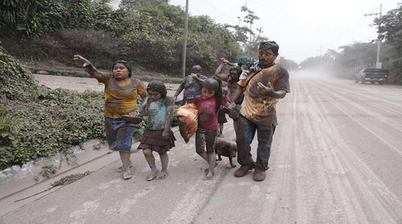 La actividad volcánica provocó la evacuación de 3.100 personas y ha dejado más de 1,7 millones de afectados.