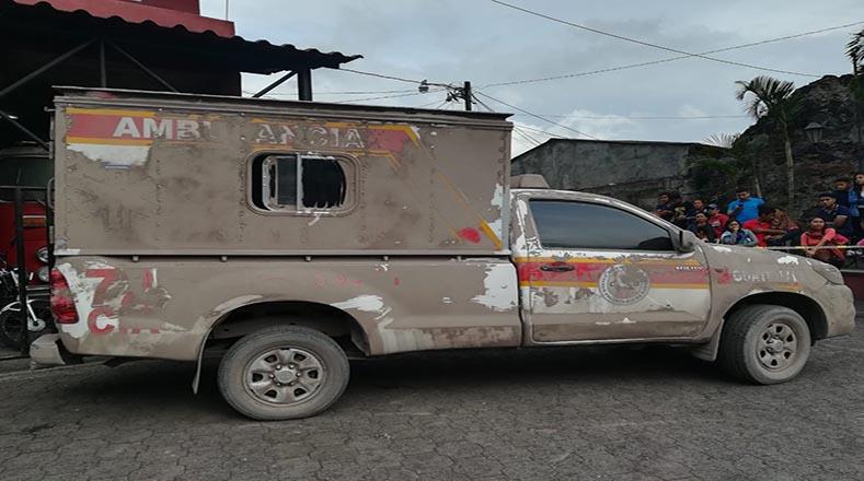 Fuentes locales también anuncian la muerte de dos Bomberos Voluntarios durante tareas de rescate por erupción del volcán de Fuego.