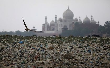 Plastic rubbish lies strewn across the polluted banks of the river Yamuna near the historic Taj Mahal in Agra, India, on May 19, 2018.