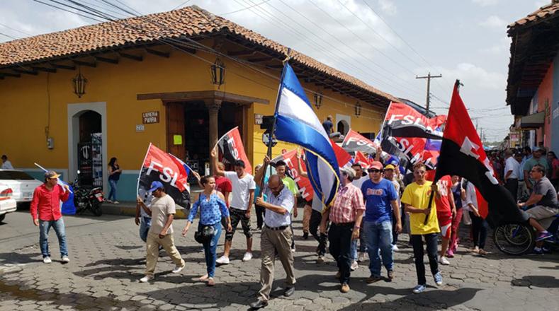 Familias nicaragüenses y el Gobierno piden el cese de la violencia y reconciliación en el país.