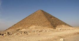 La estatura fue llevada a un laboratorio para proceder con su restauración, luegar ubicado en el depósito de la necrópolis.