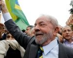 Former Brazilian President Luiz Inacio Lula da Silva arrives at Federal Justice for a testimony in Curitiba, Brazil, May 10, 2017.