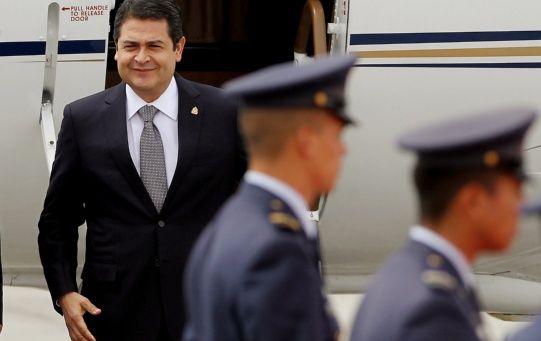 El mandatario hondureño aseveró que desconocía el origen de dichos fondos.
