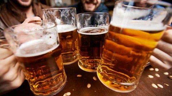 Descubre cómo preparar cerveza artesanal en casa | Noticias | teleSUR