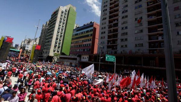El pueblo venezolano tomó las calles de Caracas en apoyo al presidente Nicolás Maduro