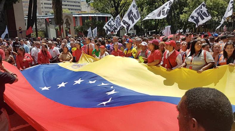 Marea de pueblo revolucionario desborda el centro de Caracas y ratifica su compromiso con la Revolución Bolivariana.