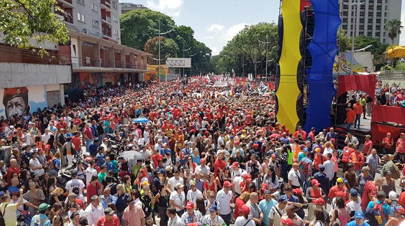 La movilización popular llegará hasta el Palacio de Miraflores, donde será recibido por el presidente Maduro.