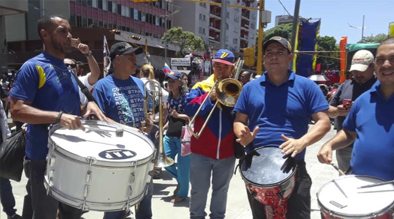 Con alegría y música, reafirman su lealtad al presidente y la Revolución Bolivariana.
