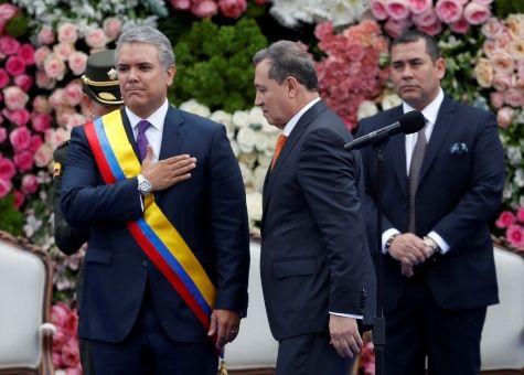 Toma posesión nuevo Presidente colombiano en medio de manifestaciones por la vida