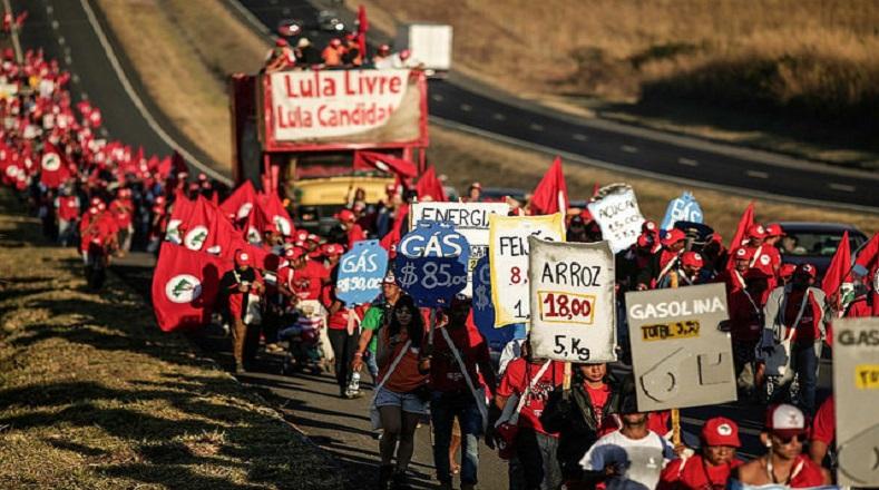 La marchase dividió entres grupos, el primeropartió de la ciudad de Formosa, el segundoprovienede Luziânia, y el tercerocaminódesde la región de Engenho y finalmente todos llegaron a la capital Brasilia.