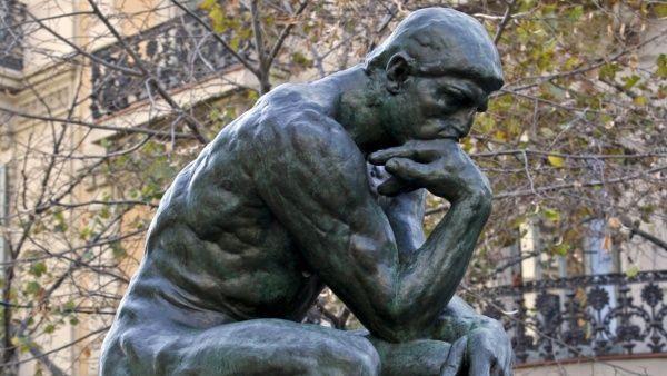 Leer, pensar, cuestionar, volver a leer, conversar, dudar y llevar a la práctica tus ideas es la mejor forma de estudiar filosofía por tu cuenta.