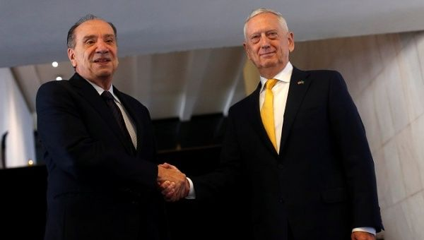 Brazilian Foreign Minister Nunes (l) with U.S. Secretary of Defense Mattis (r) in Brasilia.