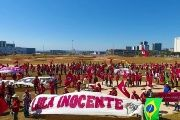 Thousands of MST militants arrive to Brasilia to demand for Lula's liberation and support his candidacy.