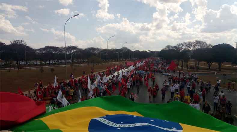 Se espera que cerca de 30 mil personas participen en el acto frente a la sede del Tribunal Superior Electoral (TSE).