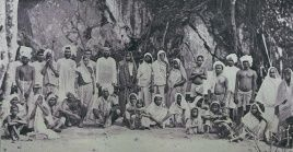 Antes de convertirse en nación independiente, hubo varios enfrentamientosétnicos, principalmente entre los descendientes de africanos y los descendientes de hindúes.
