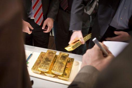 ¿Cómo ahorrar oro en Venezuela? Plan_de_ahorro_oro-_venezuela-_efe.jpg_1718483347