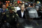 Almagro walks in Cucuta with heavy security.