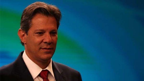 El candidato del PT sigue creciendo en la intención de voto de cara a las elecciones del próximo domingo